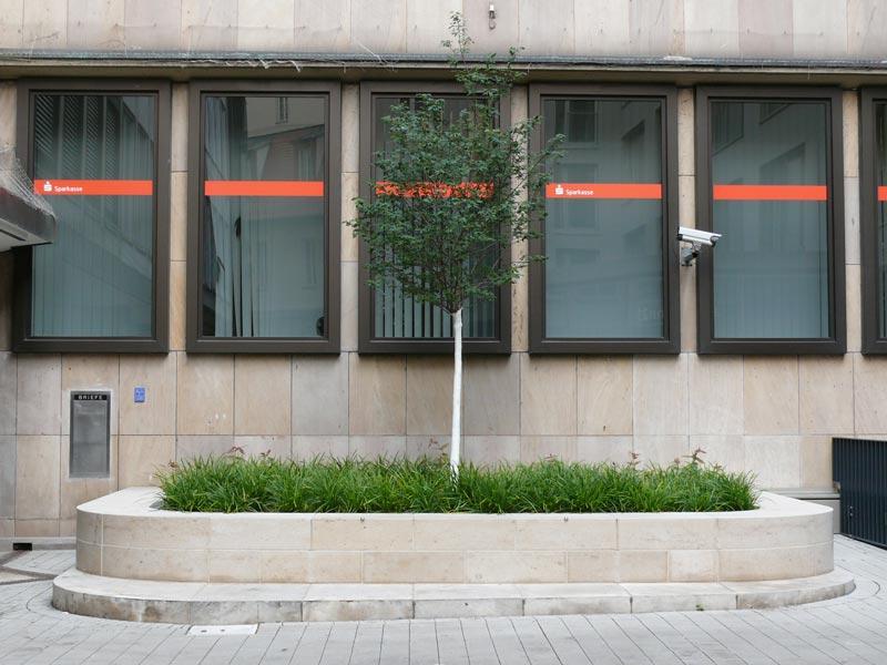 Umbau des Umfelds der Sparkasse Nürnberg in Innenstadtlage