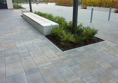 Pflastern und Bepflanzen von Außenanlagen